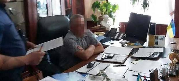 Крупный улов: В.а.ректора Национального авиационного университета задержали на взятке в 170 тыс.евро (фото)