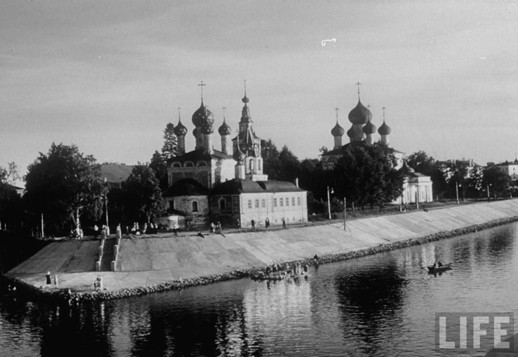 Уникальные фотографии городов на Волге середины XX века