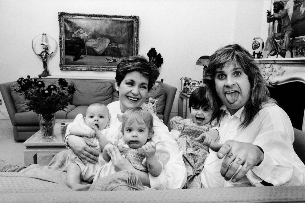 3. Дома со своими детишками — дочерьми Эми и Келли и сыном Джеком — в 1986 году.