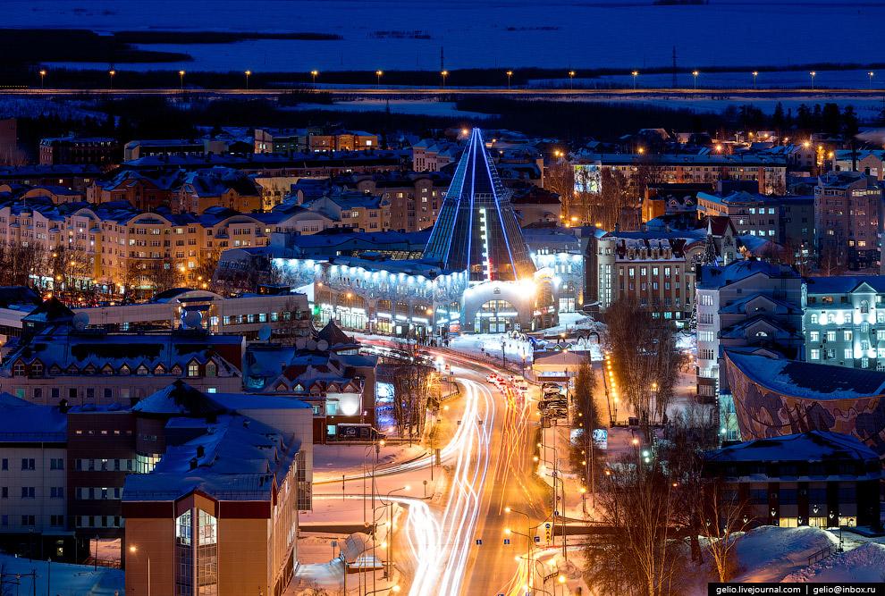 5. «Гостиный двор» начал работу в мае 2006 года, с тех пор стал своеобразным символом Ханты-Ман