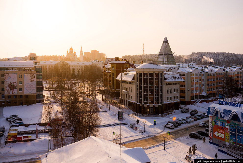 9. Ханты-Мансийск отличается сравнительно молодой и невысокой застройкой. Небоскрёбов здесь не