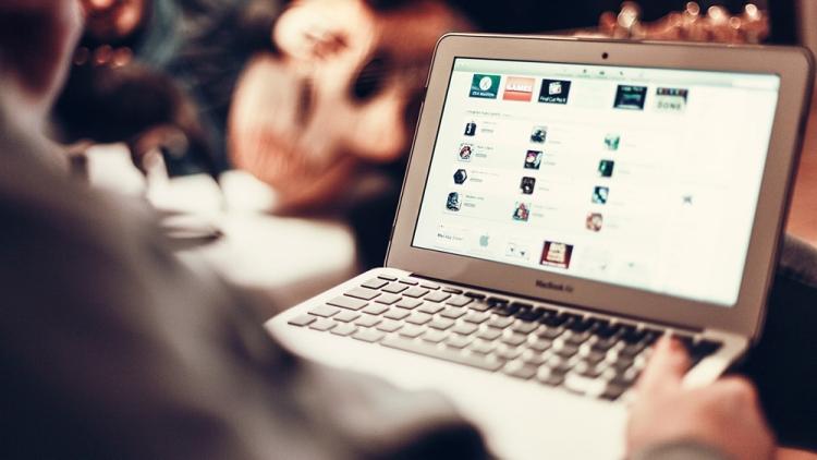 ВМинкомсвязи выступили против штрафов заскачивание пиратского контента