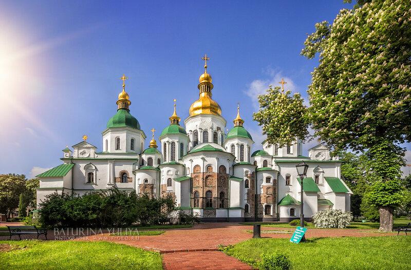 Софийский собор в лучах света