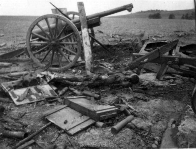 Погибшая советская батарея, октябрь 1941-1.jpg
