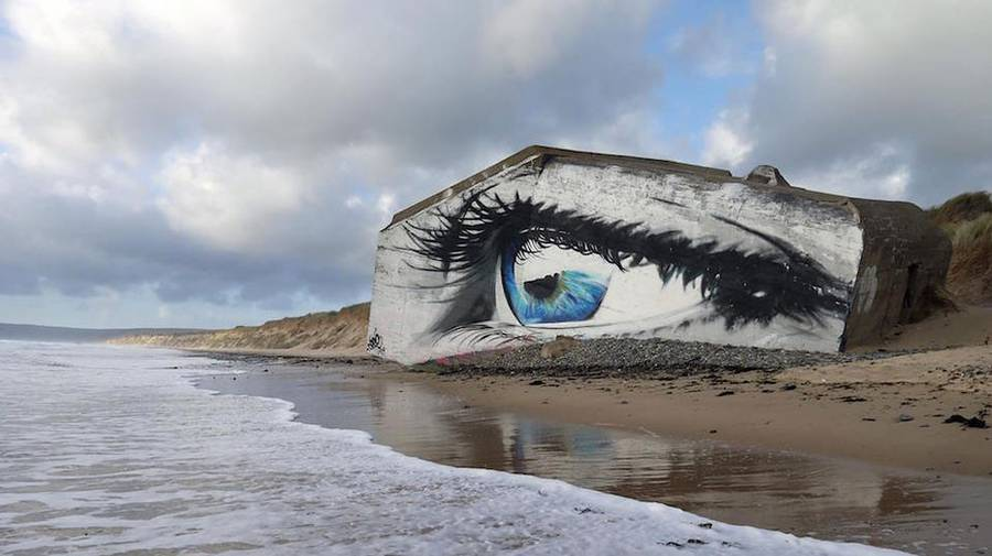 Eye Street Art Piece on a French Beach (5 pics)