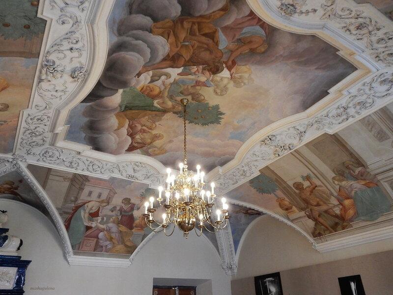 Роспись на потолке
