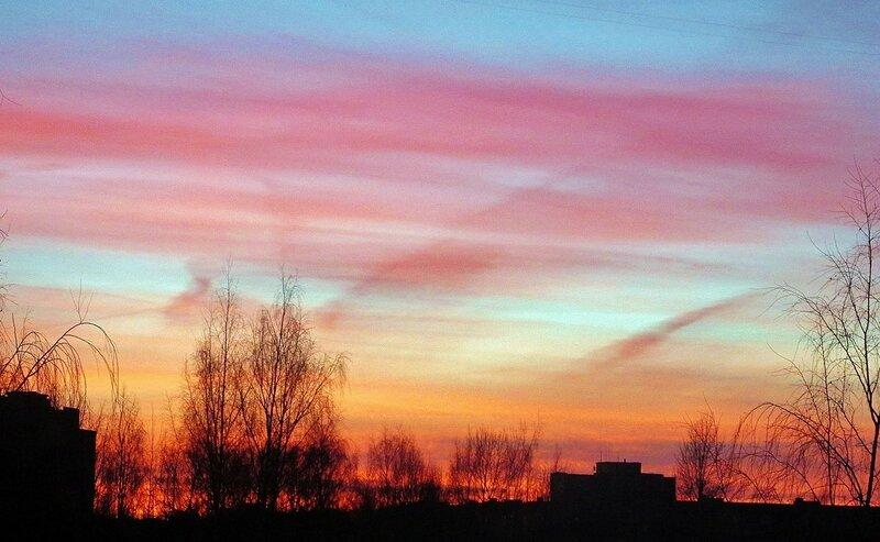 Февральский закат за окном