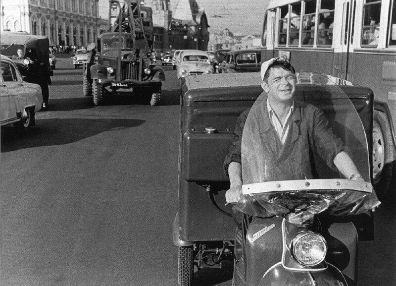 Фото Григория Дубинского 1960-е Обеды на дом.jpg