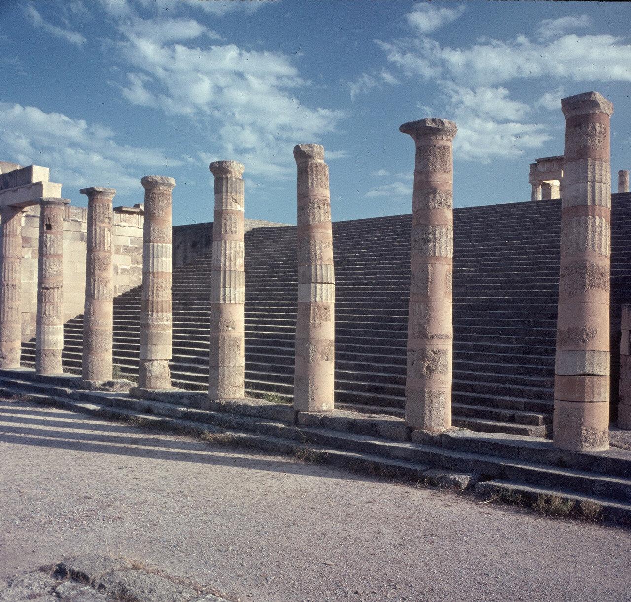 Родос. Линдос. Акрополь. Портик Пропилей. 200 г. до н.э.
