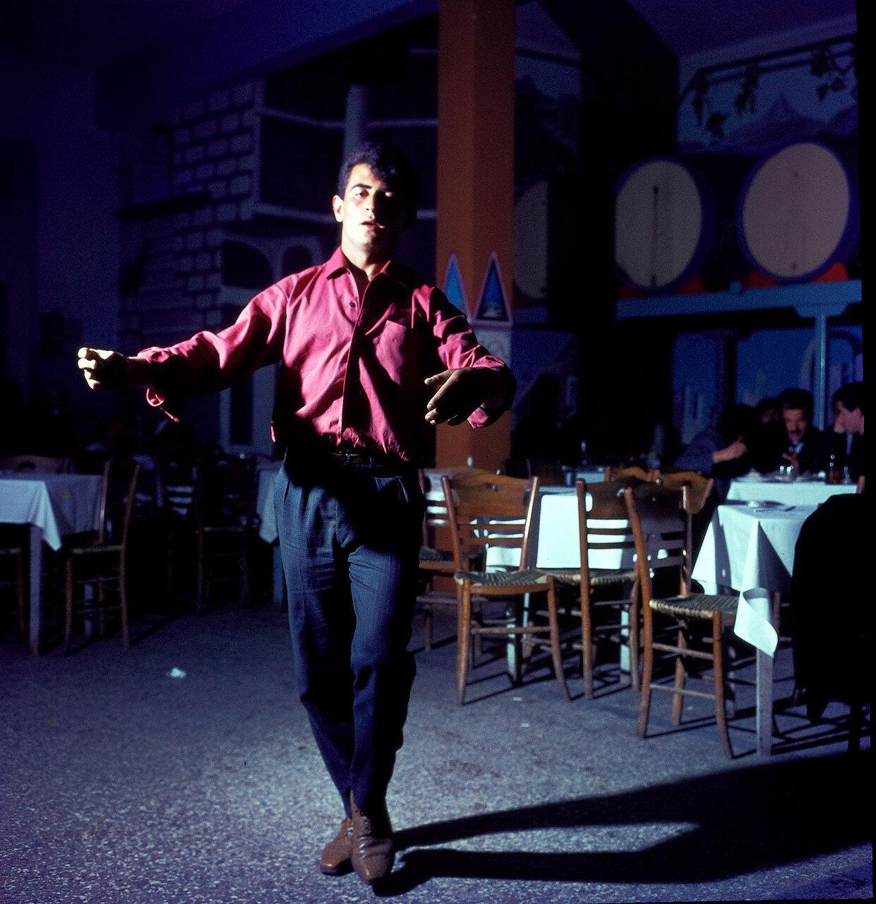 В афинском ресторане