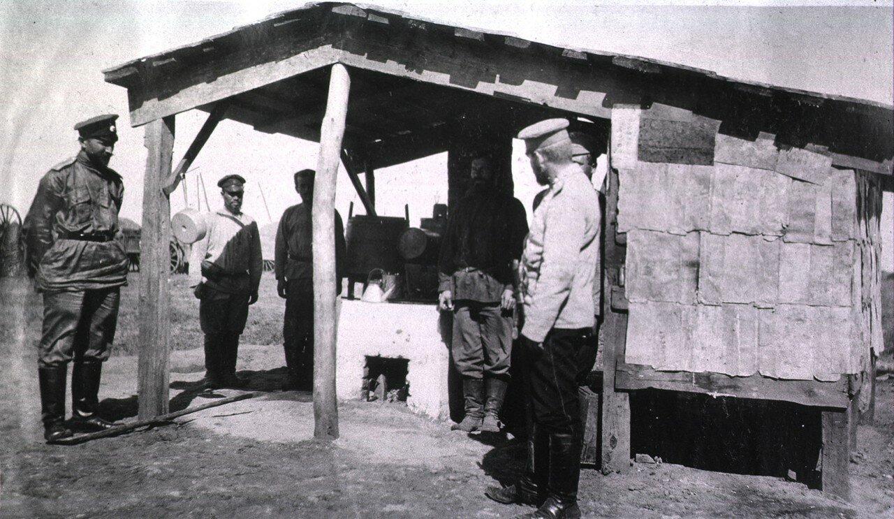 Полевая кухня в Гангалине