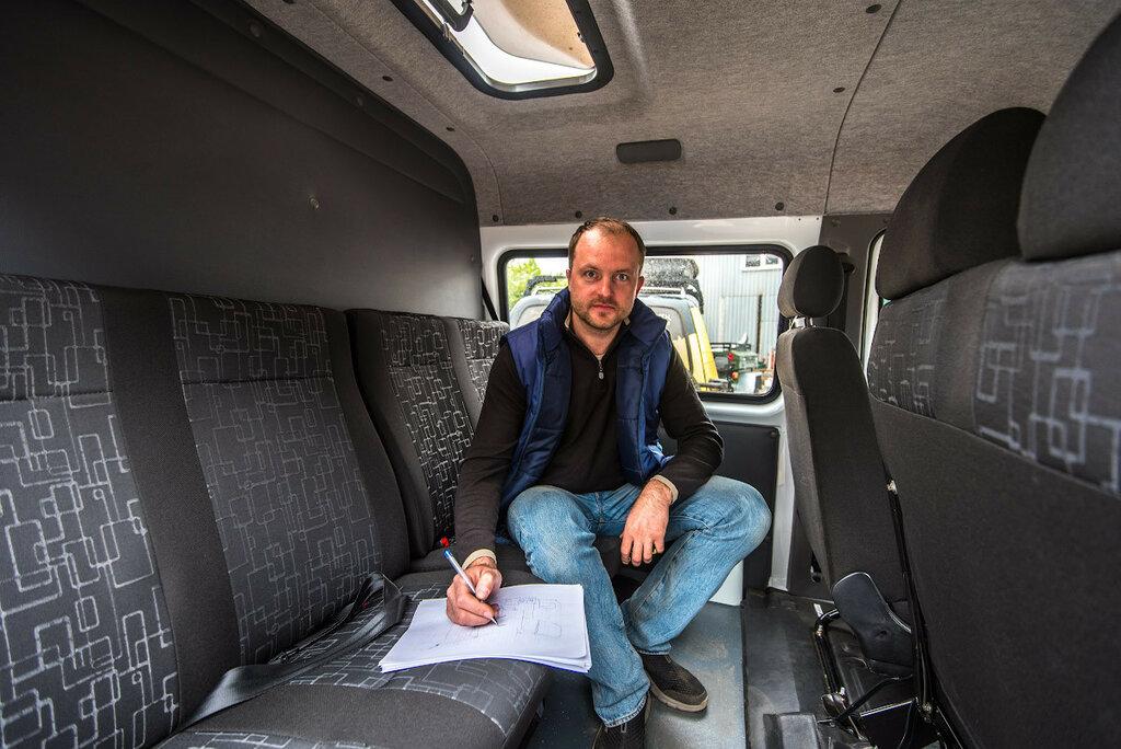 Анатолий Рудов (АнВиР) за работой по проектированию внутреннего пространства Соболь 4х4 Caravan Expedition.
