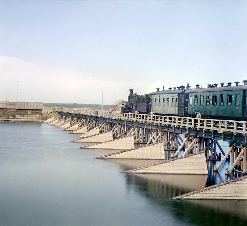 Железодорожный мост через реку Шую.jpg