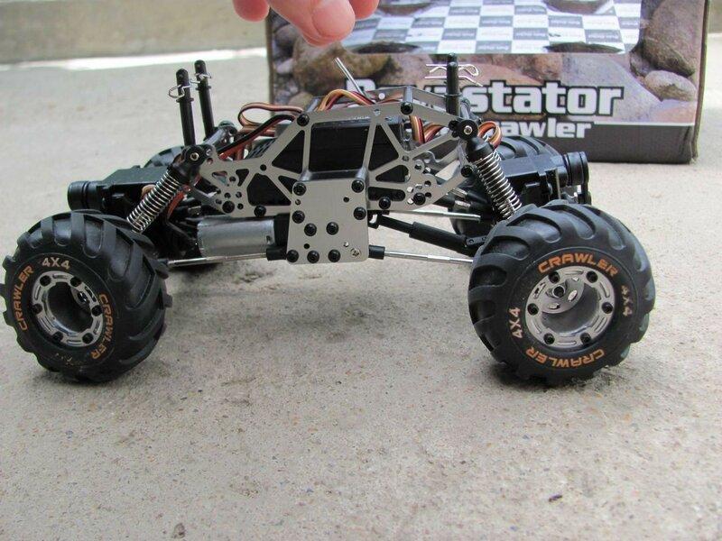 GearBest: «Маленький проходимец» - р/у краулер 24-го масштаба HBX-2098B