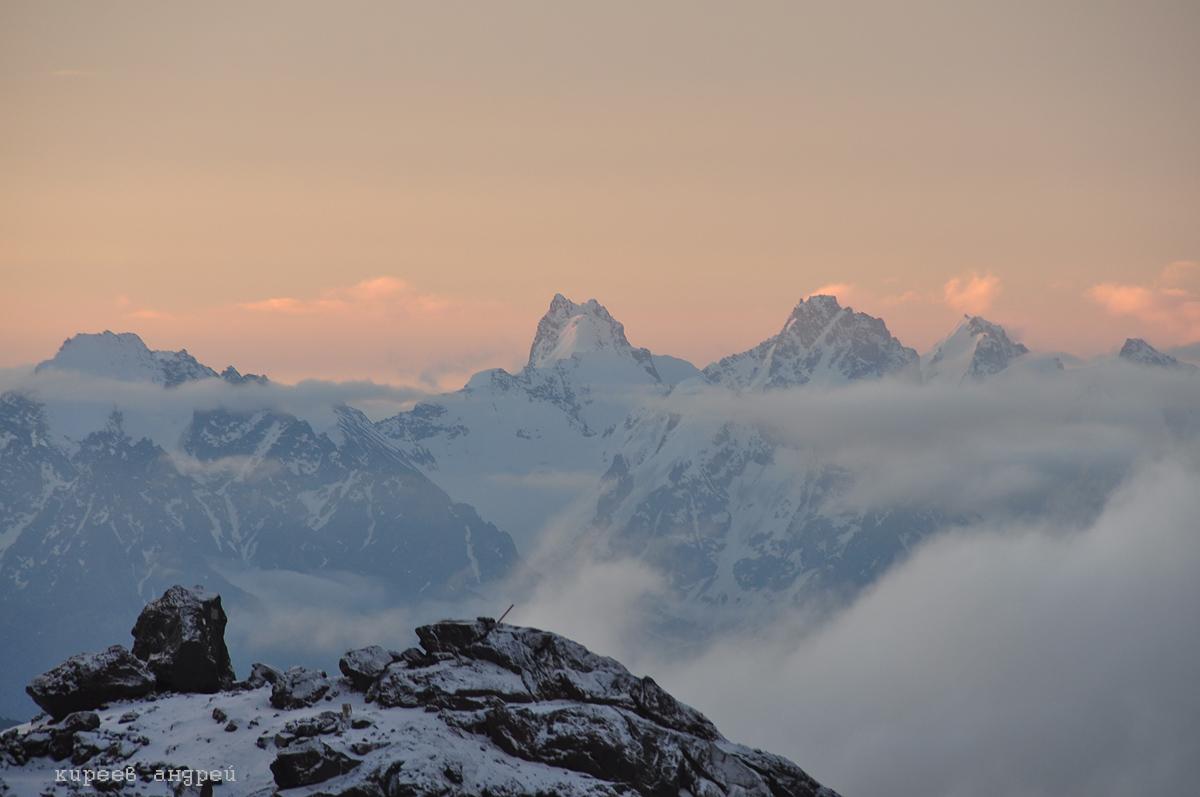 Эльбрус. Вид с высоты 4200 м.
