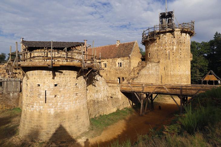 Геделон или как построить себе замок (24 фото)