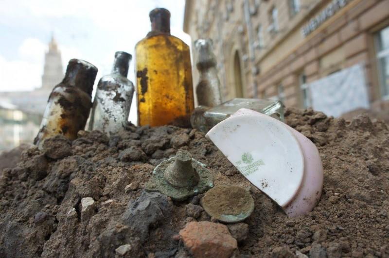 Подземные клады Москвы. Как найти сокровище во время благоустройства улиц (51 фото)