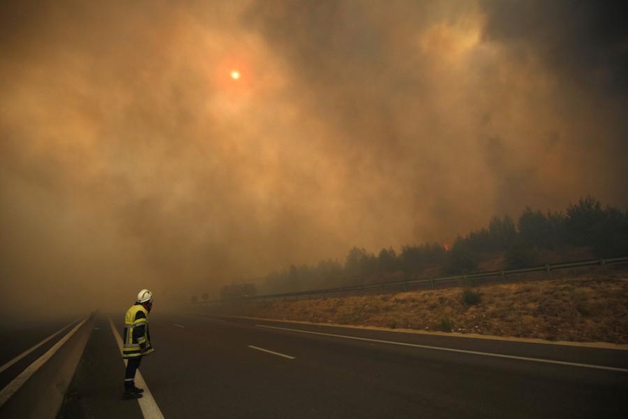 Лесные пожары наюге Франции остановили наподступах кМарселю