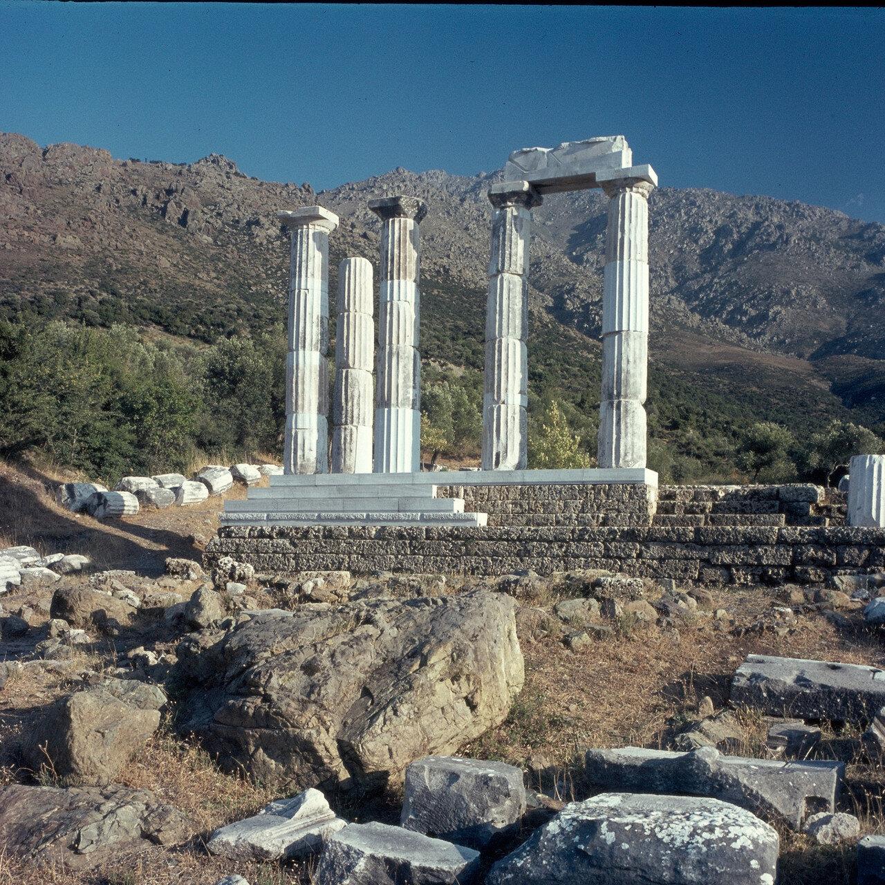 Самофракия.«Святилище великих богов».  Гиерон. 1964