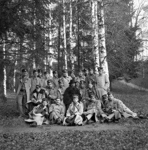 Скит Воскресенского монастыря. Группа 3-го класса 2 отд.