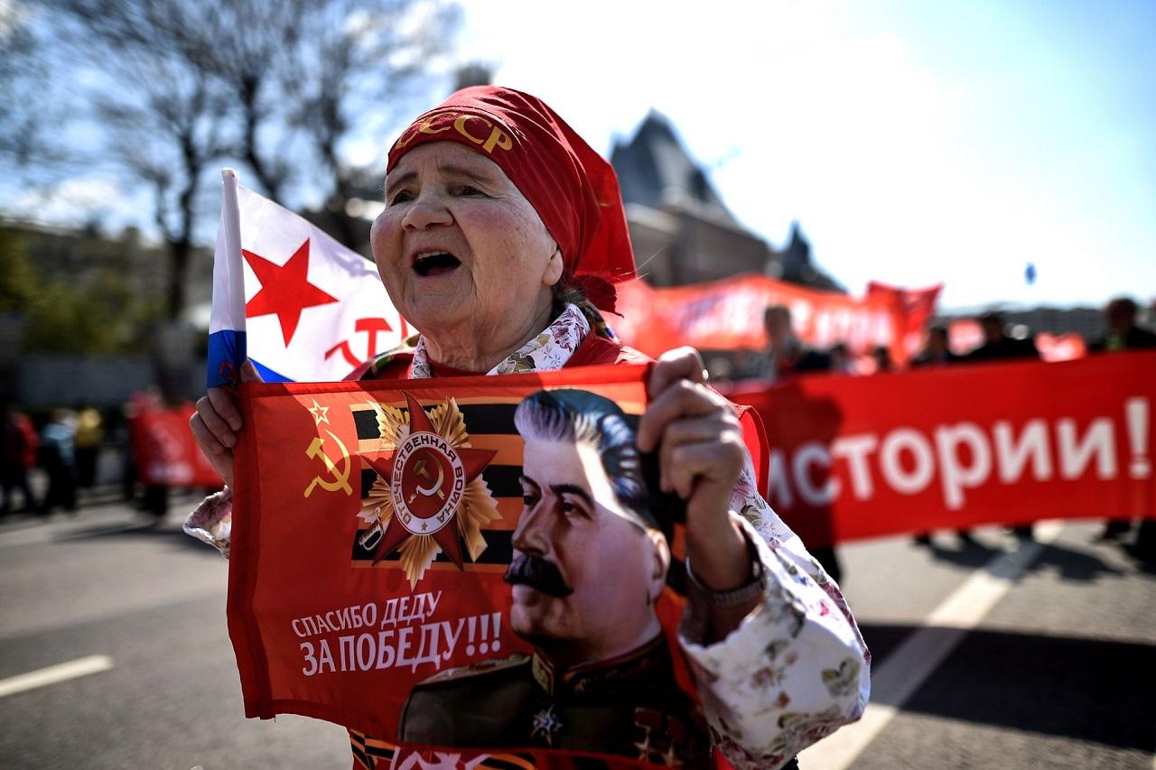 Спасибо деду за Победу. 1-го мая 2016, коммунистическая демонстрация, Москва