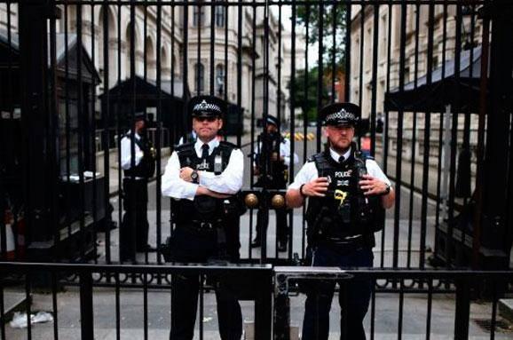 Беги, Онищенко, беги: Великобритания впервые в истории согласилась выдать Украине объявленного в розыск