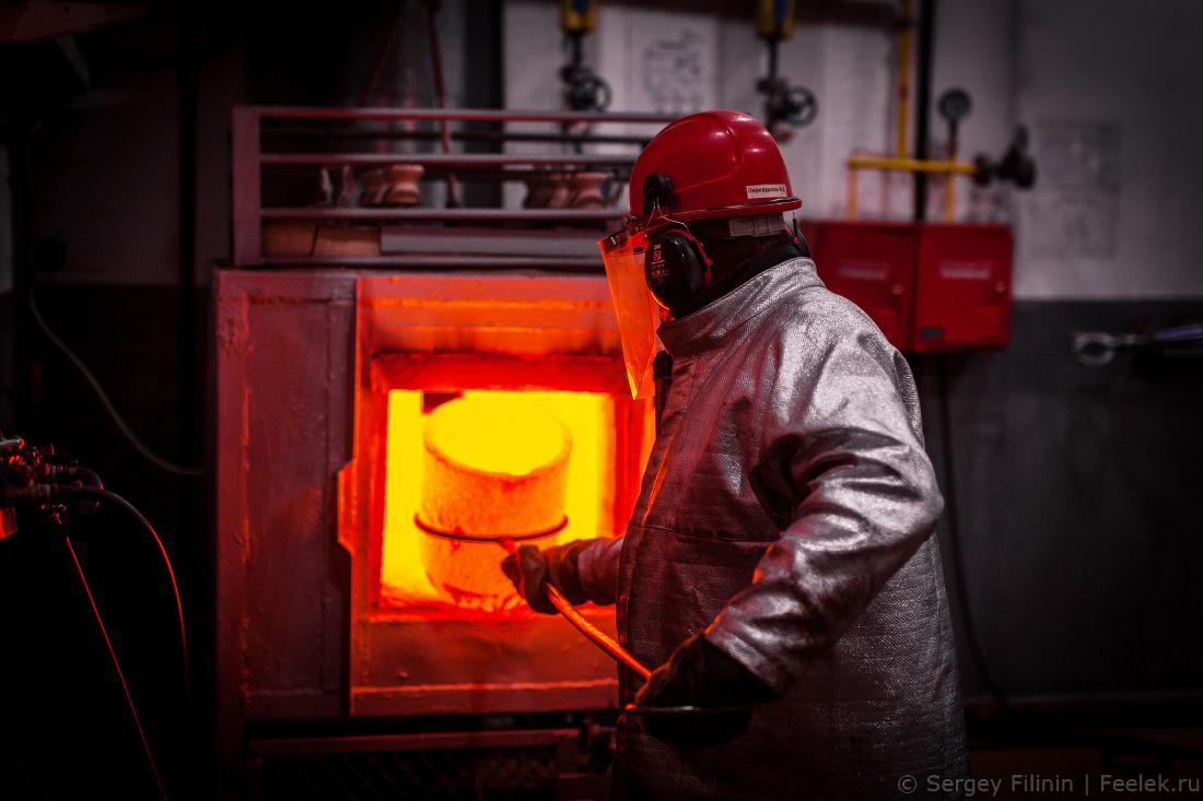 277818a1dba6 Сегодня завод производит 90% российской Платины, 95% палладия (1-е место в  мире) и примерно 65% золота и серебра. Причем в переработку завод принимает  все ...