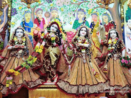 022  Sri Sri Radha-Gopinath  Lalita Vishakha 2400x1800