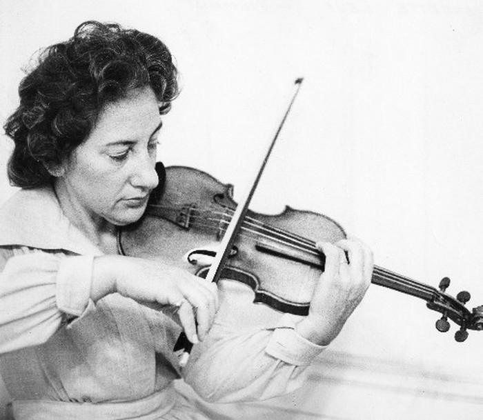 Скрипка Страдивари Антонио Страдивари — мастер, известный изготовлением очень качественных и самых д