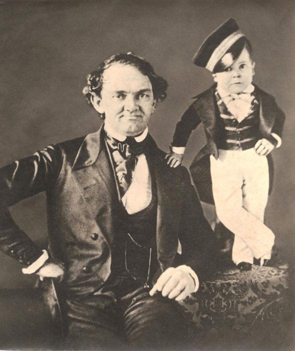 Генерал Том-Там.  Вместе с женой Чарльз продолжал путешествовать и выступать по Европе и Ази