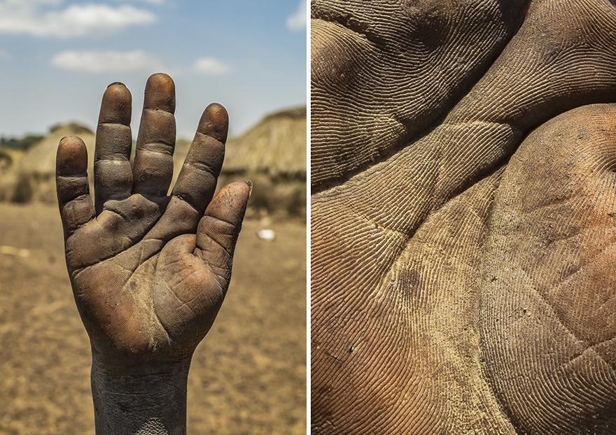 О чем могут рассказать руки человека. Фотопроект Омара Реды (24 фото)