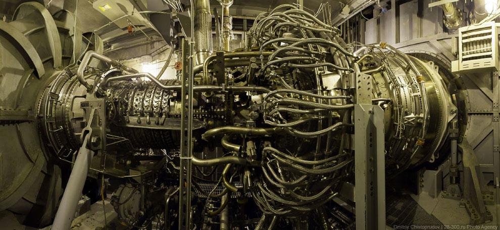 Дымовые трубы высотой всего около 60 метров. Это вам не 250-метровые трубы ТЭЦ-23 в Москве, или