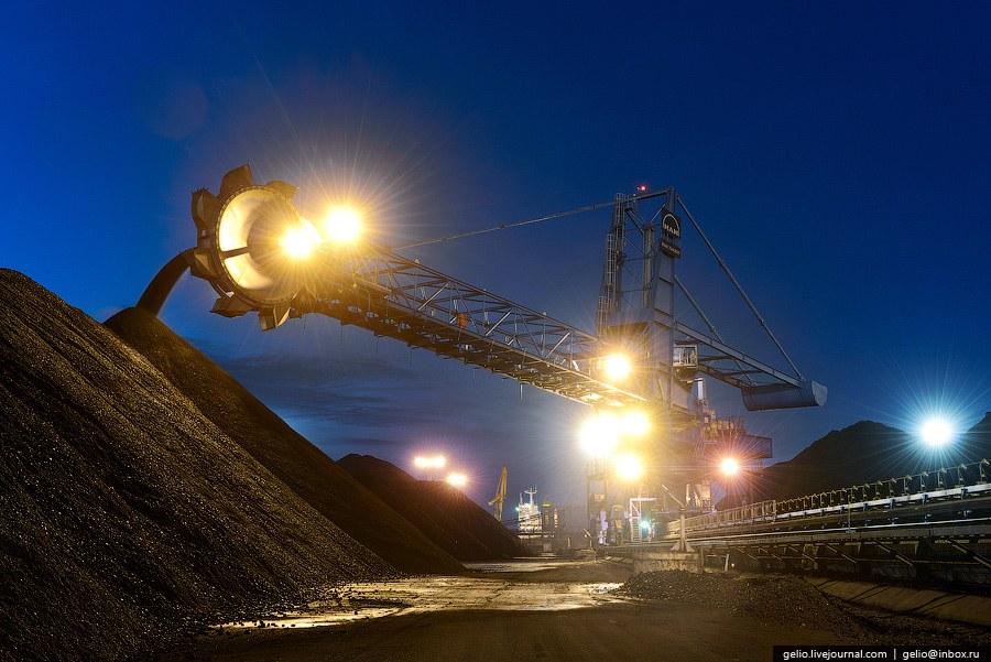 Производительность каждой единицы складского оборудования составляет до 3 500 тонн в час: