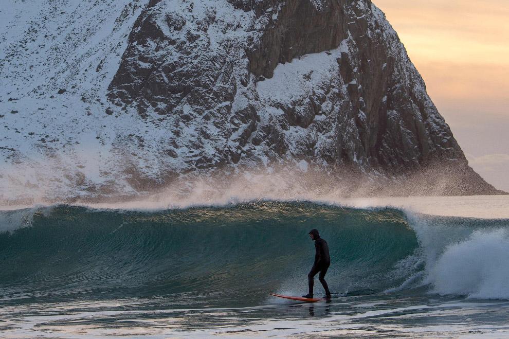 Серферы в арктических водах. Фотограф Оливье Морин (Olivier Morin)