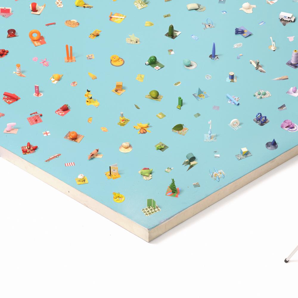 Игрушки, электроника, сладкие десерты, фрукты - всё на светлом фоне и выглядит слишком аккуратным дл