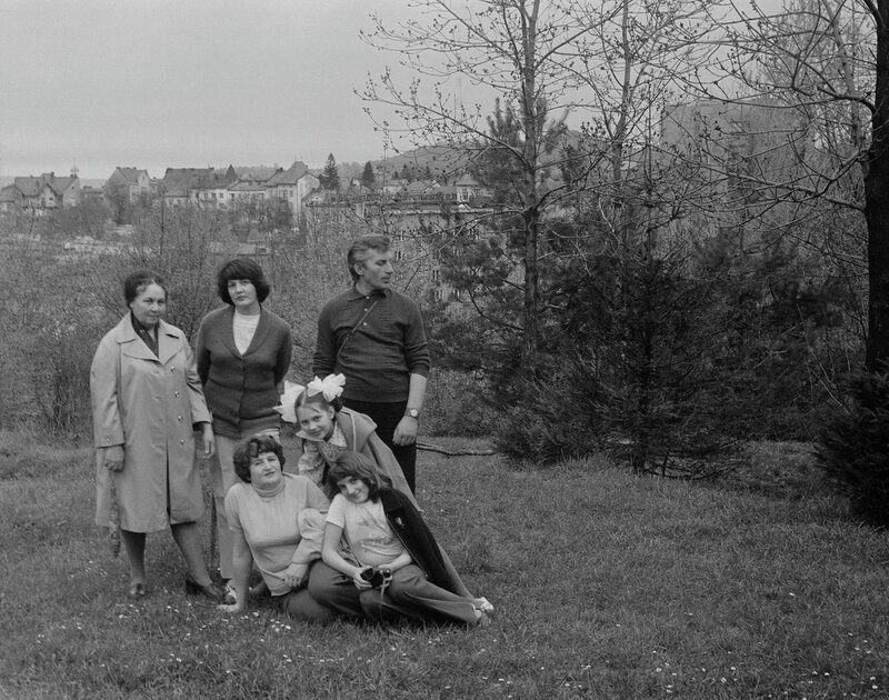 около 1977 года