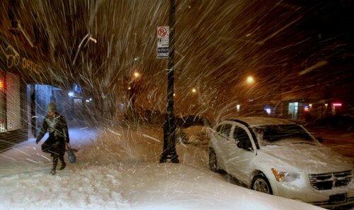 Восточная Европа «утопает» в снежных метелях и заносах