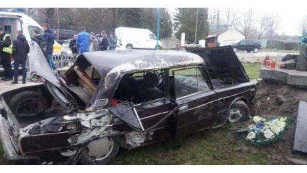 Пьяный водитель на Львовщине пил пиво в присутствии патрульных. ВИДЕО
