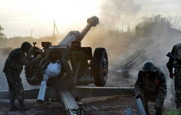 Террористы бьют из тяжелого вооружения по всем направлениям