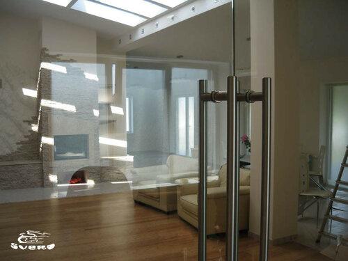 002. коридор, холл, стеклянные распашные двери