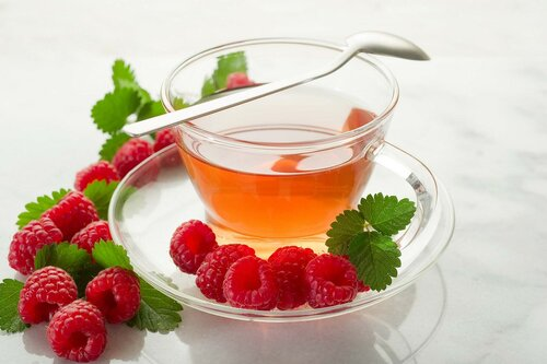 10 лучших напитков, которые поставят вас на ноги при простуде
