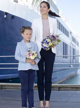 Ее Высочество кронпринцесса Греции родилась в Лондоне и выросла в далеком Гонконге, откуда затем