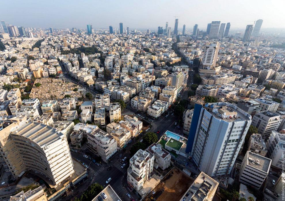 В ночь перед отъездом в Иерусалим решили выбраться на самую высокую стройку Израиля. Высота зда