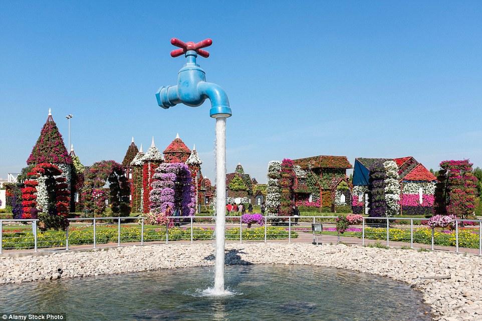 Тропический парк Нонг Нуч в Таиланде. Фруктовый сад Нонг Нуч был преобразован в ботанический сад в 1