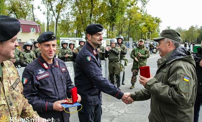 Итальянские карабинеры завершили подготовку украинских нацгвардейцев