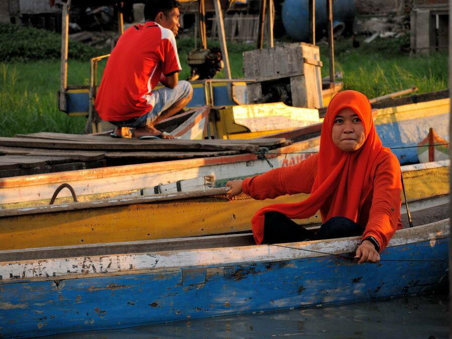 Дама в лодке