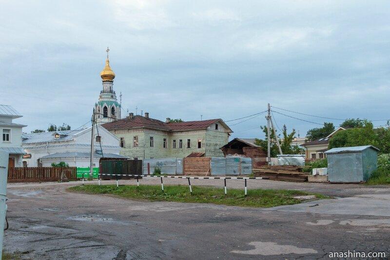 Задворки зданий на Кремлевской площади, Вологда