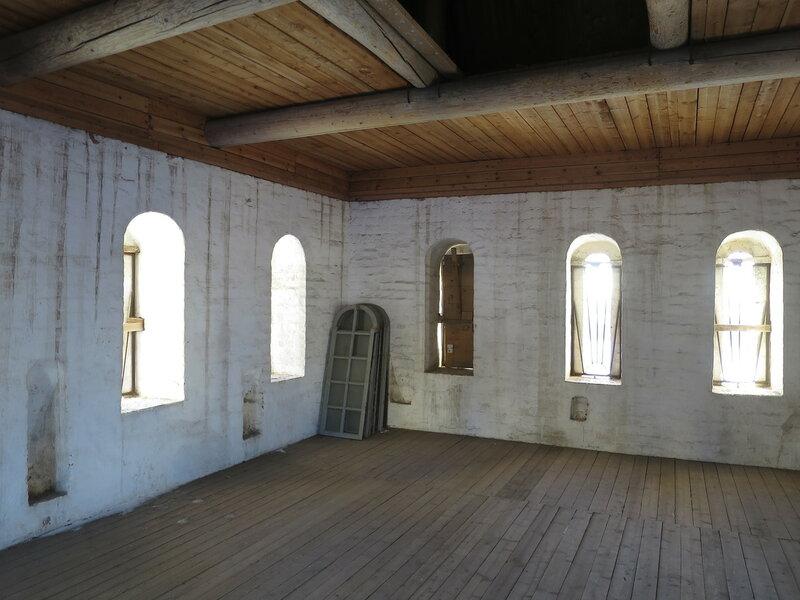 Спасо-Прилуцкий монастырь. Второй ярус Водяной башни