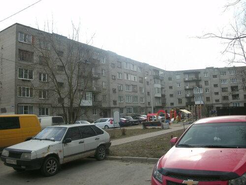 пос. Ленсоветовский, 16
