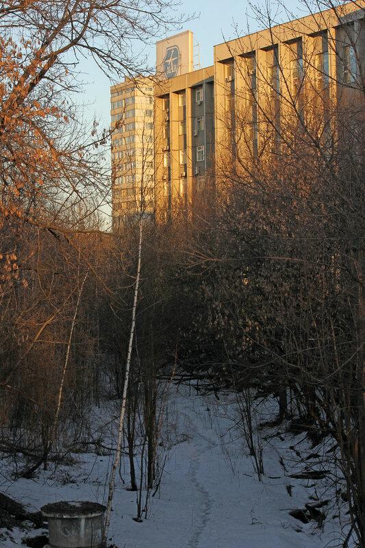 Бывшая ветка АВС, вид на Подмосковную и МАИ
